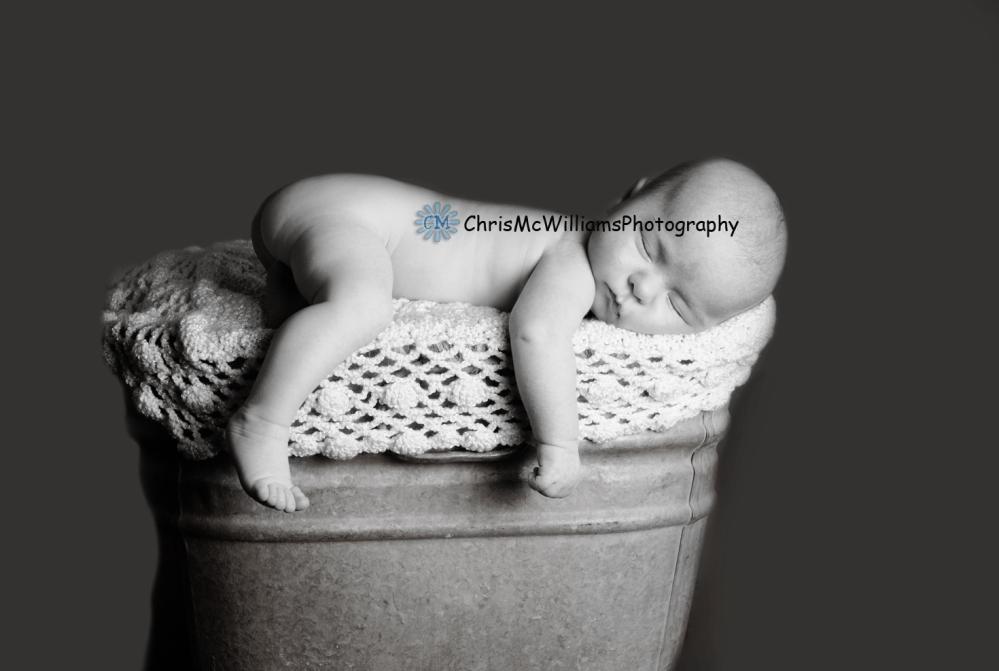 Sleepy One Month Old Baby (Winnipeg Baby Photographers) (1/3)
