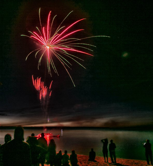canada day fireworks albert beach sm 7 16-111