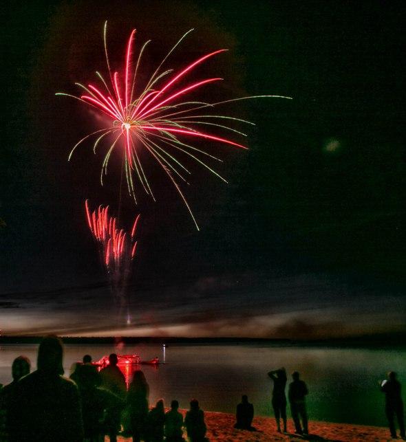 canada day fireworks albert beach sm 7 16-111